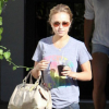 http://celebrity-bags.com/celebrity_bags/hayden-panettiere-with-her-beloved-coach-patent-large-sabrina-handbag