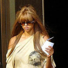 http://celebrity-bags.com/celebrity_bags/tyra-banks-and-a-luis-vuitton-handbag-the-perfect-match