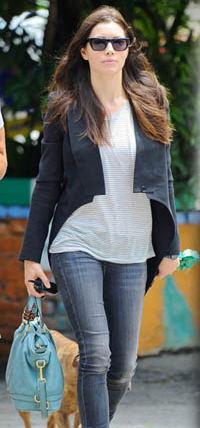 louis vuitton bags celebrities. jessica-biel-louis-vuitton-mahina louis vuitton bags celebrities