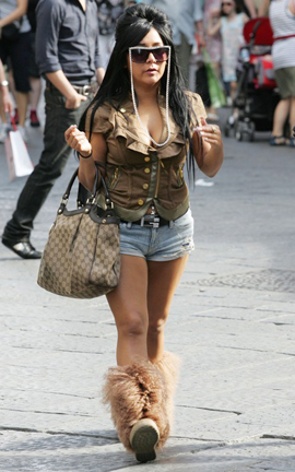 Snooki with gucci handbag