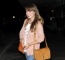 https://celebrity-bags.com/celebrity_bags/olivia-wilde-with-a-casual-gucci-marrakech-handbag