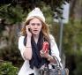 https://celebrity-bags.com/celebrity_bags/dakota-fanning-saving-her-outfit-with-a-balenciaga-handbag