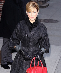 Elizabeth Banks – Red Prada Handbag